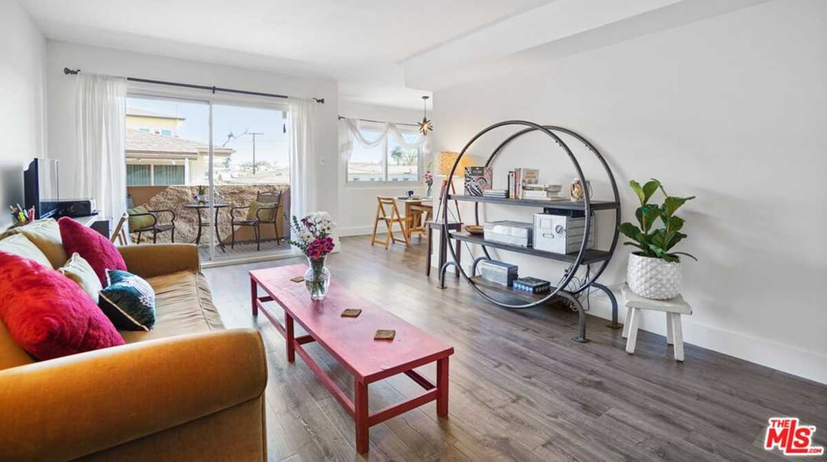 $345,000 - 1Br/1Ba -  for Sale in Inglewood