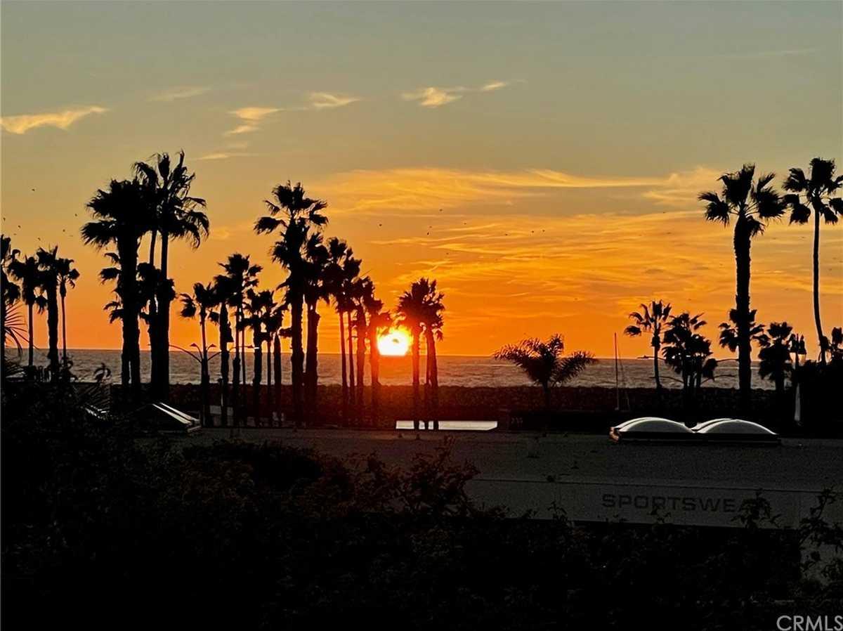 $969,000 - 2Br/2Ba -  for Sale in Redondo Beach