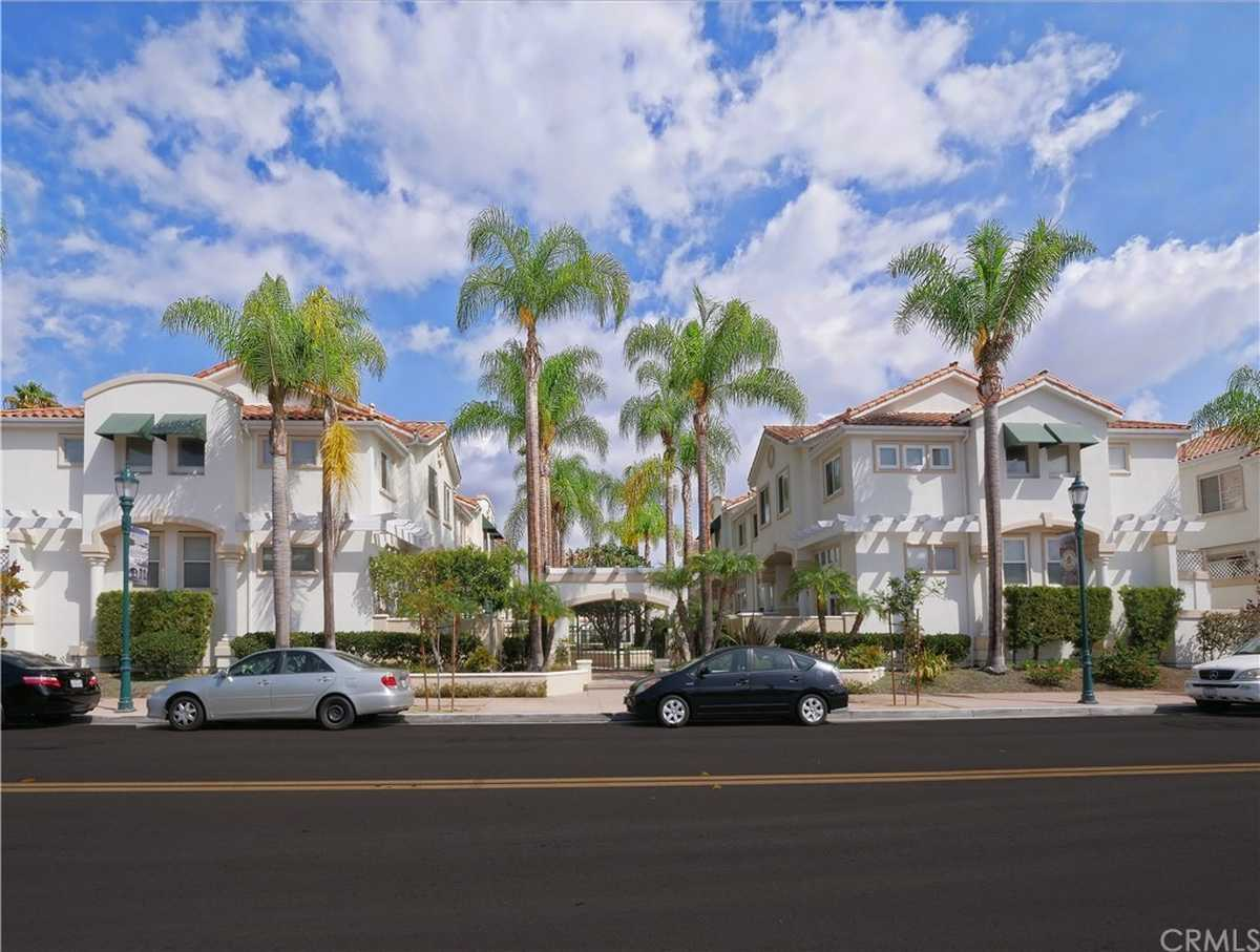 $830,000 - 3Br/3Ba -  for Sale in Torrance