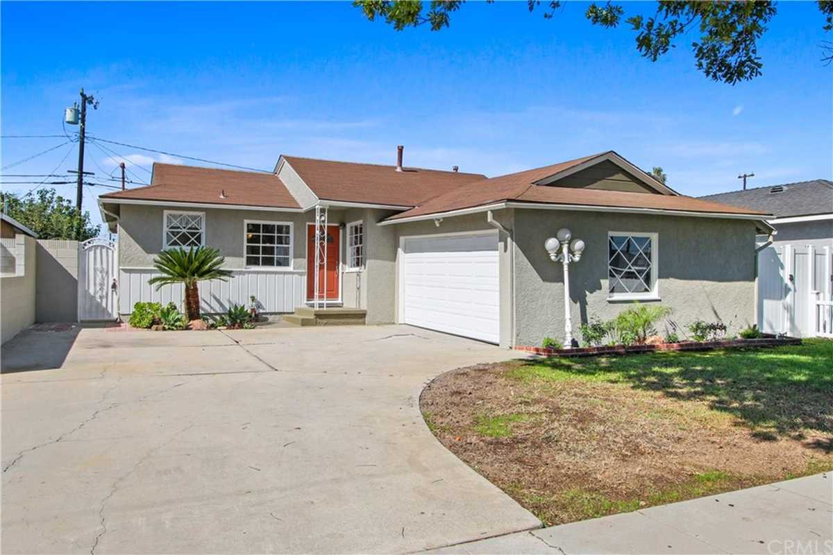 $839,900 - 3Br/2Ba -  for Sale in Torrance