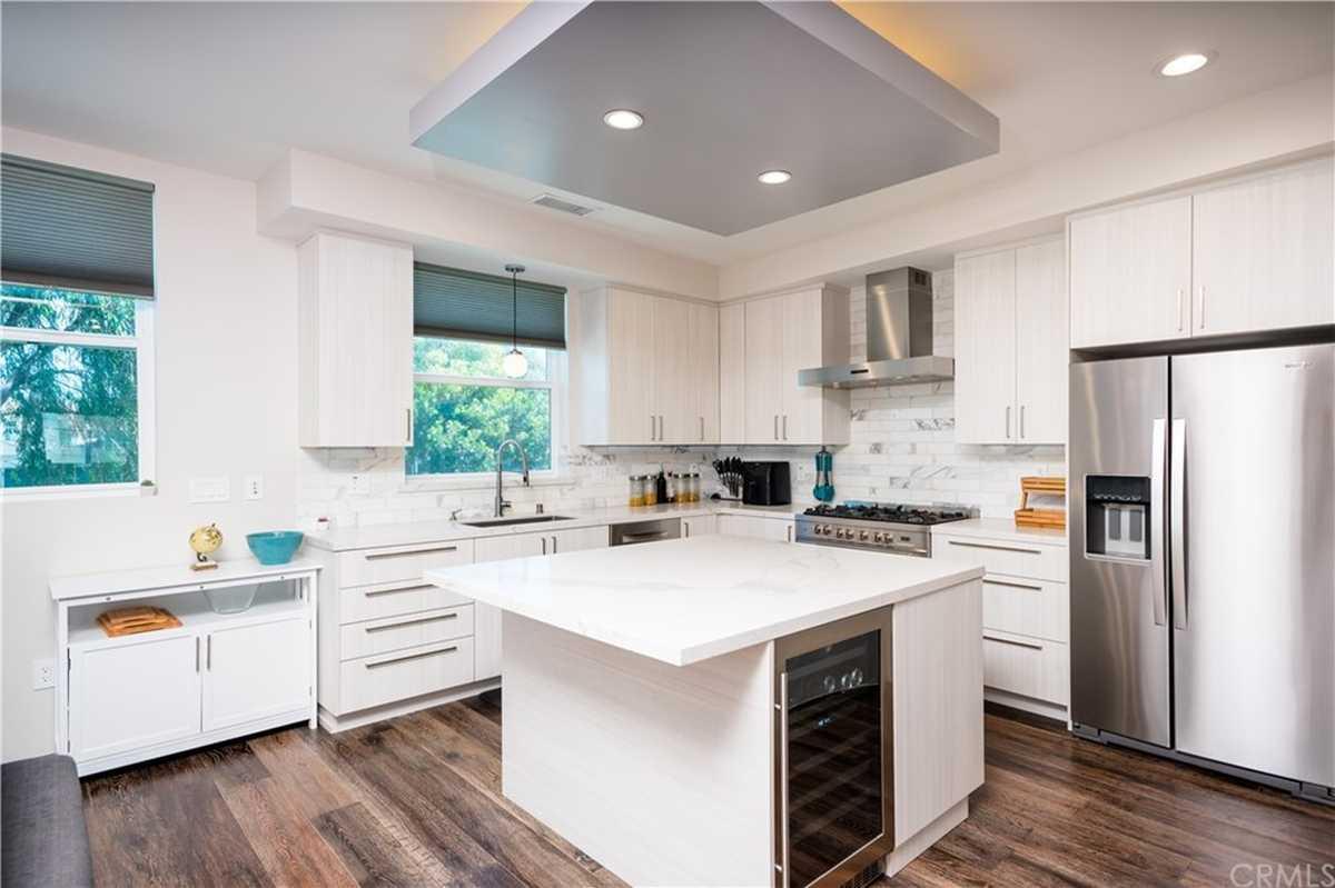 $1,299,000 - 4Br/5Ba -  for Sale in Redondo Beach