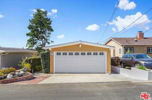 $1,199,000 - 3Br/2Ba -  for Sale in Hermosa Beach