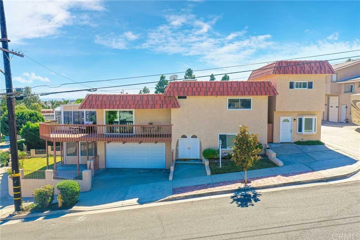 $999,000 - 4Br/3Ba -  for Sale in San Pedro