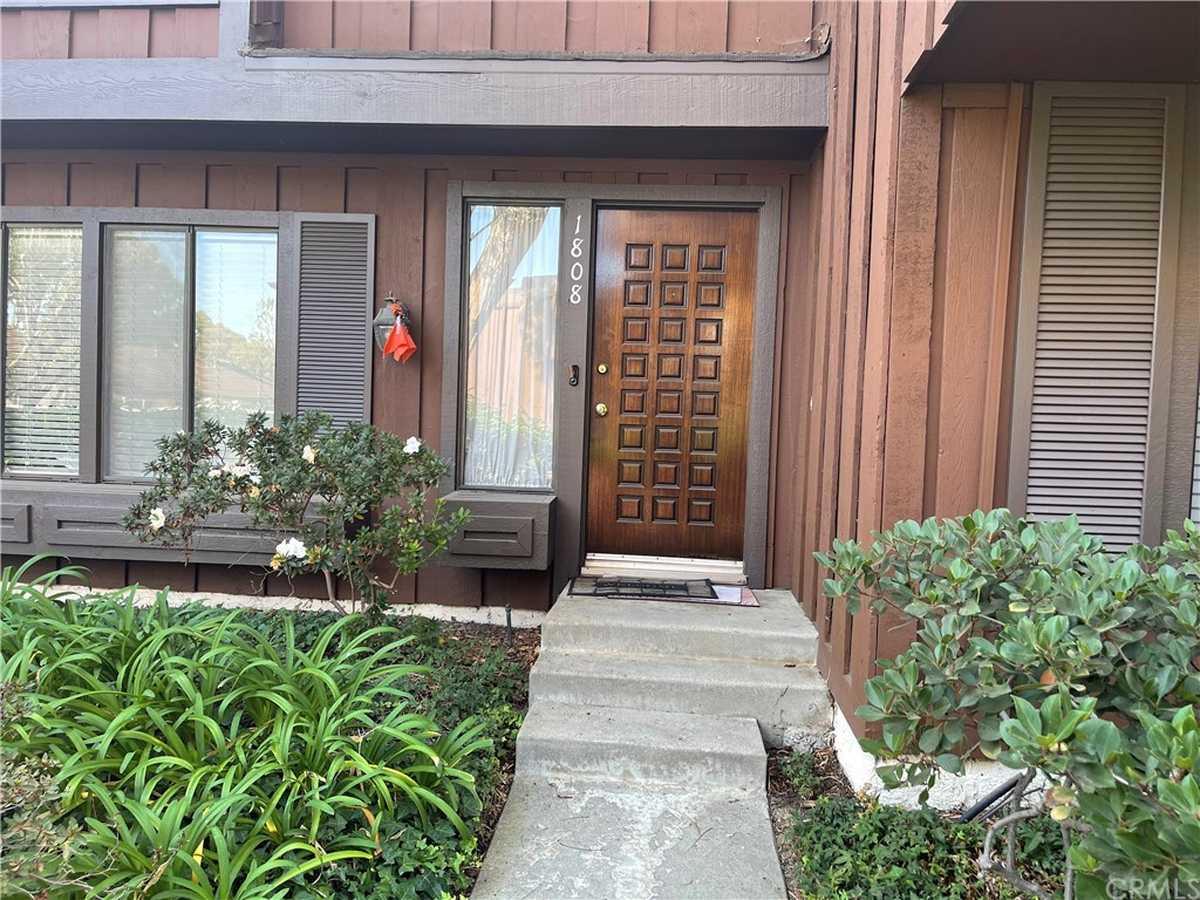 $655,000 - 2Br/3Ba -  for Sale in San Pedro
