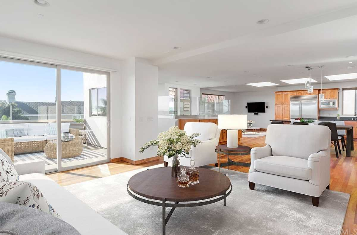 $2,230,000 - 4Br/4Ba -  for Sale in Hermosa Beach