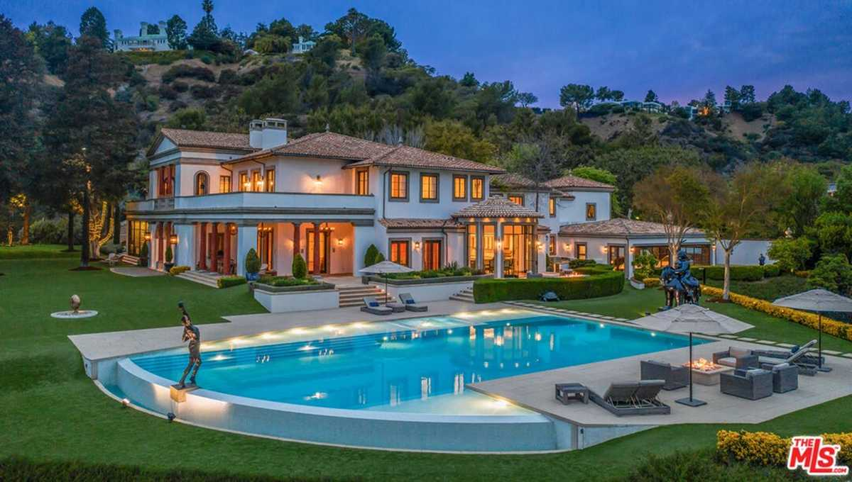 $80,000,000 - 8Br/12Ba -  for Sale in Beverly Hills