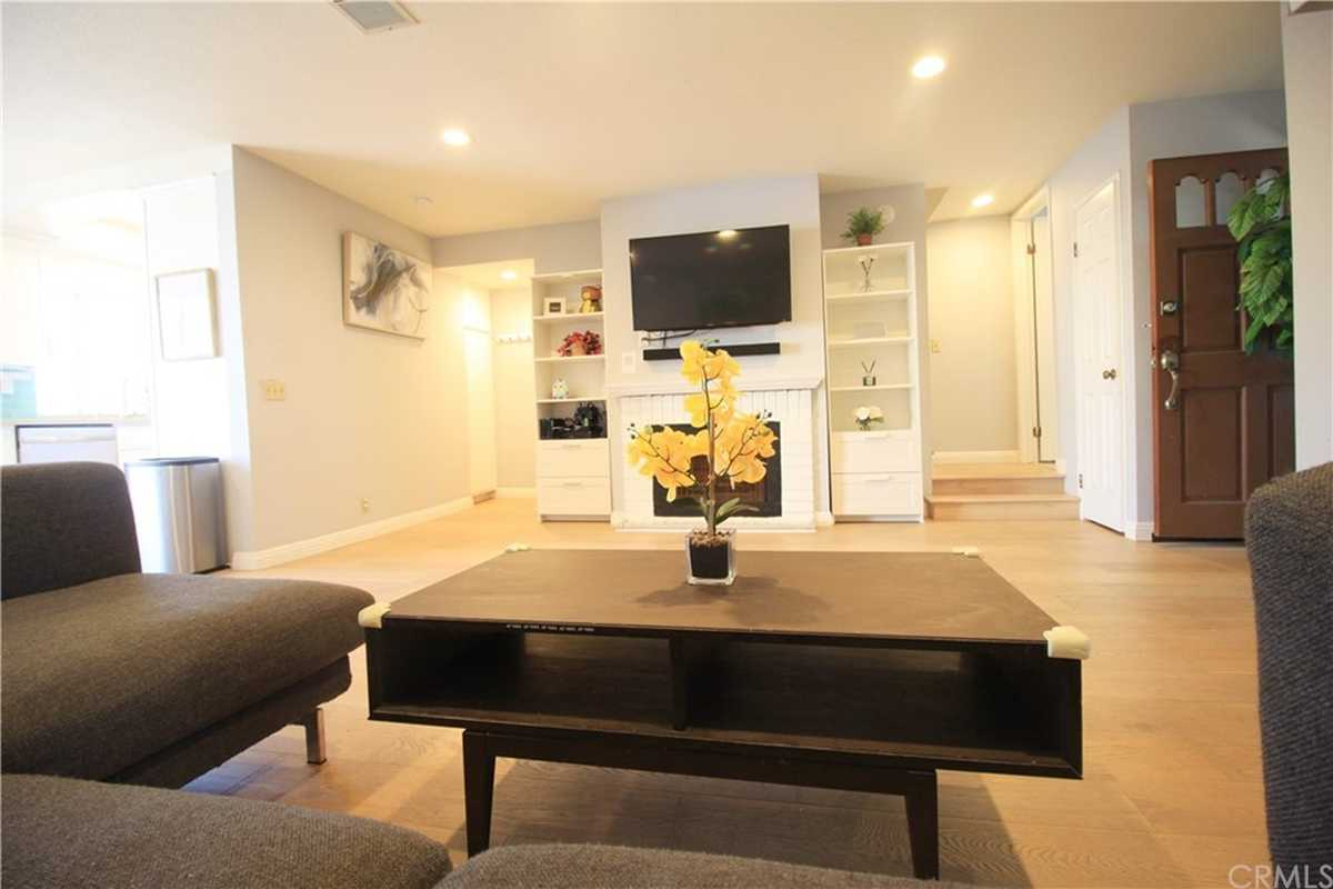 $699,000 - 2Br/3Ba -  for Sale in Torrance