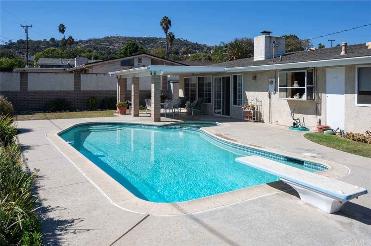 $989,000 - 3Br/2Ba -  for Sale in Rancho Palos Verdes