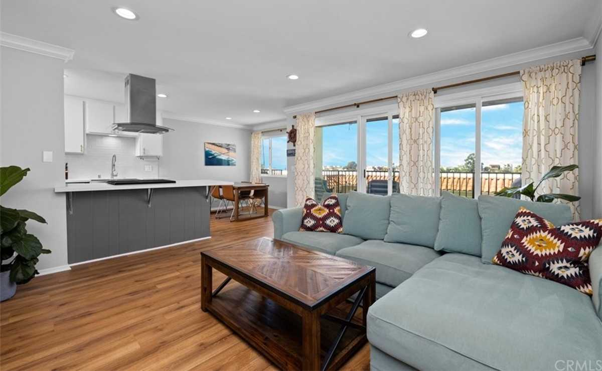 $679,999 - 1Br/1Ba -  for Sale in Hermosa Beach