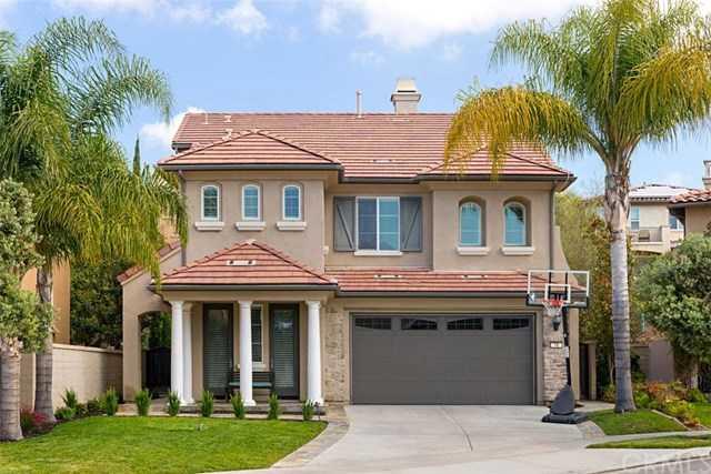 18 Via Cuenta Nueva San Clemente, CA 92673