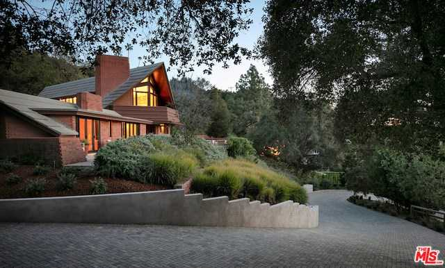 $11,750,000 - 5Br/4Ba -  for Sale in Pacific Palisades