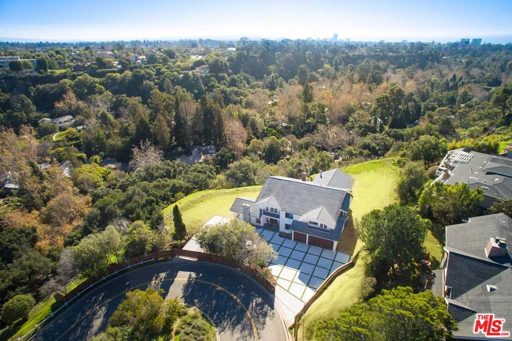 $7,900,000 - 5Br/6Ba -  for Sale in Pacific Palisades