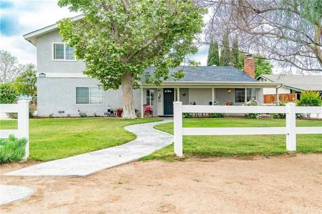 2588 Harrison St Riverside, CA 92503