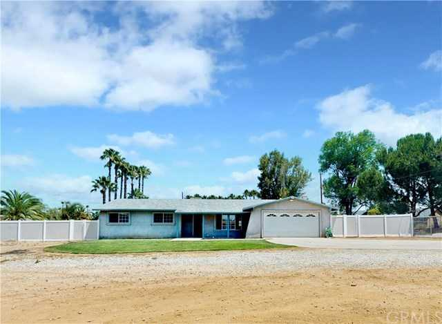 18570 Roberts Road Riverside, CA 92508