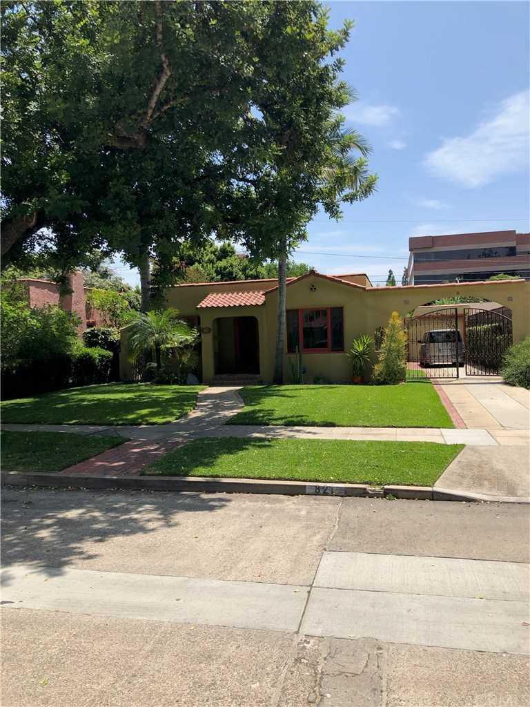 821 N Olive Street Santa Ana, CA 92703