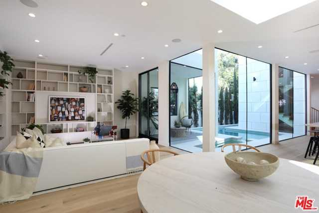 $4,495,000 - 4Br/5Ba -  for Sale in Venice