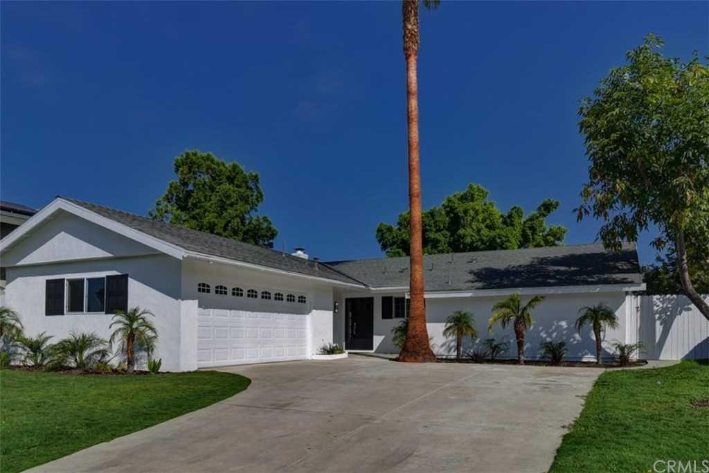 25402 Vespucci Road Laguna Hills, CA 92653
