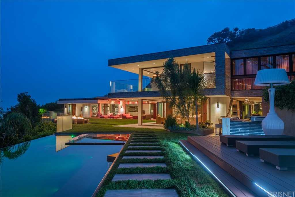 $8,495,000 - 5Br/6Ba -  for Sale in Pacific Palisades