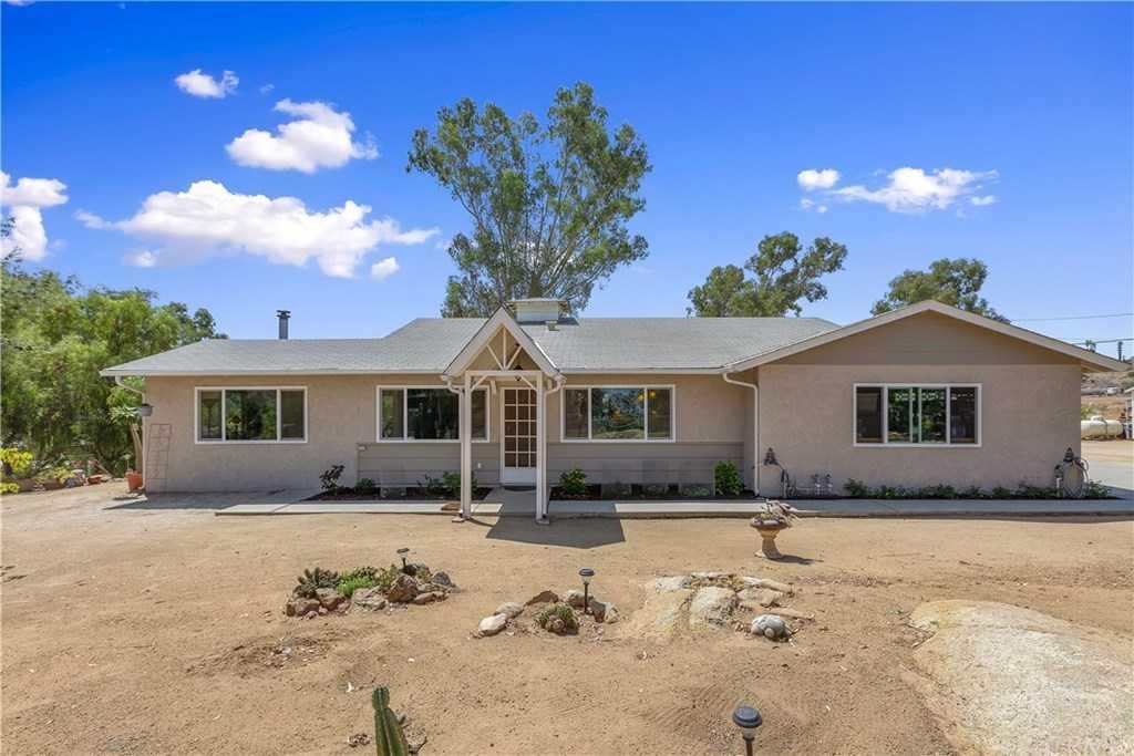 16661 Multiview Drive Lake Mathews, CA 92570