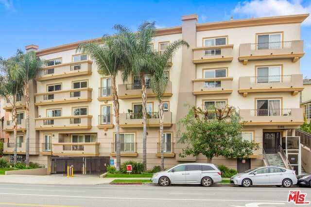 $1,050,000 - 2Br/3Ba -  for Sale in Los Angeles