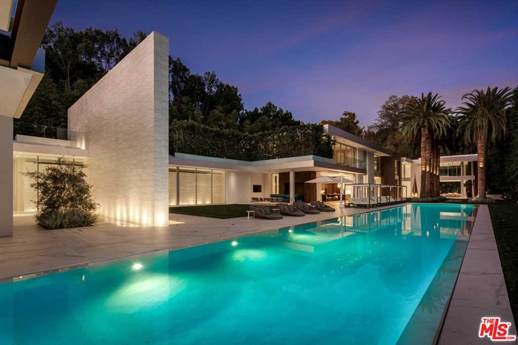 $65,000,000 - 9Br/17Ba -  for Sale in Los Angeles