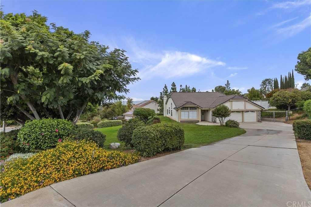 10800 Orchard View Lane Riverside, CA 92503