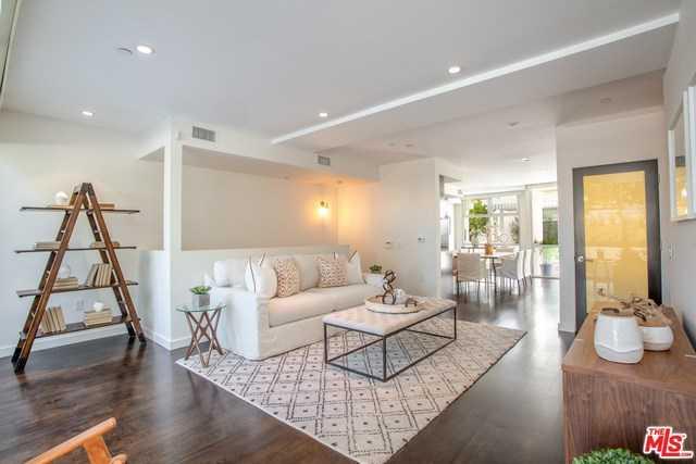 $1,799,000 - 2Br/3Ba -  for Sale in Santa Monica