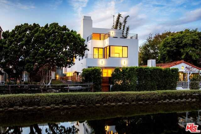 $4,295,000 - 3Br/4Ba -  for Sale in Venice