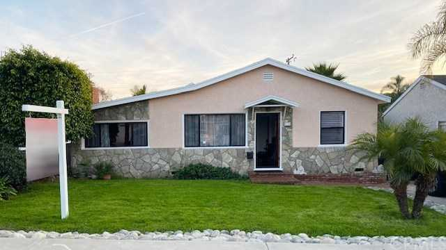$979,000 - 4Br/3Ba -  for Sale in Hawthorne