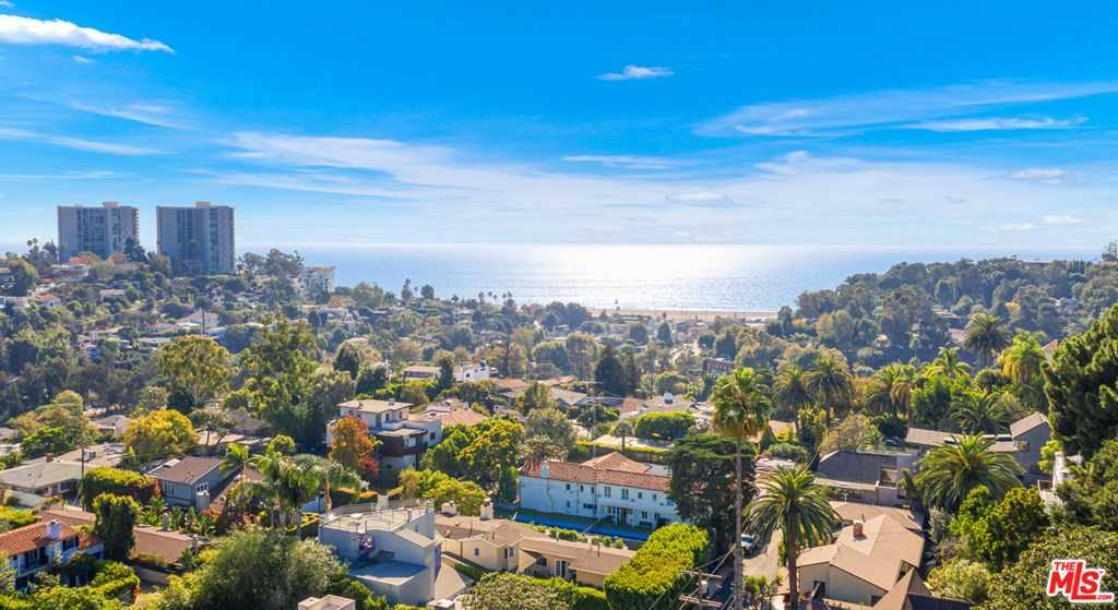 $8,350,000 - 4Br/3Ba -  for Sale in Pacific Palisades