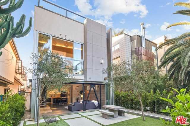 $3,898,000 - 3Br/4Ba -  for Sale in Venice
