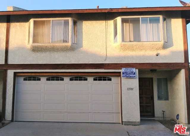 $575,000 - 4Br/3Ba -  for Sale in Hawthorne