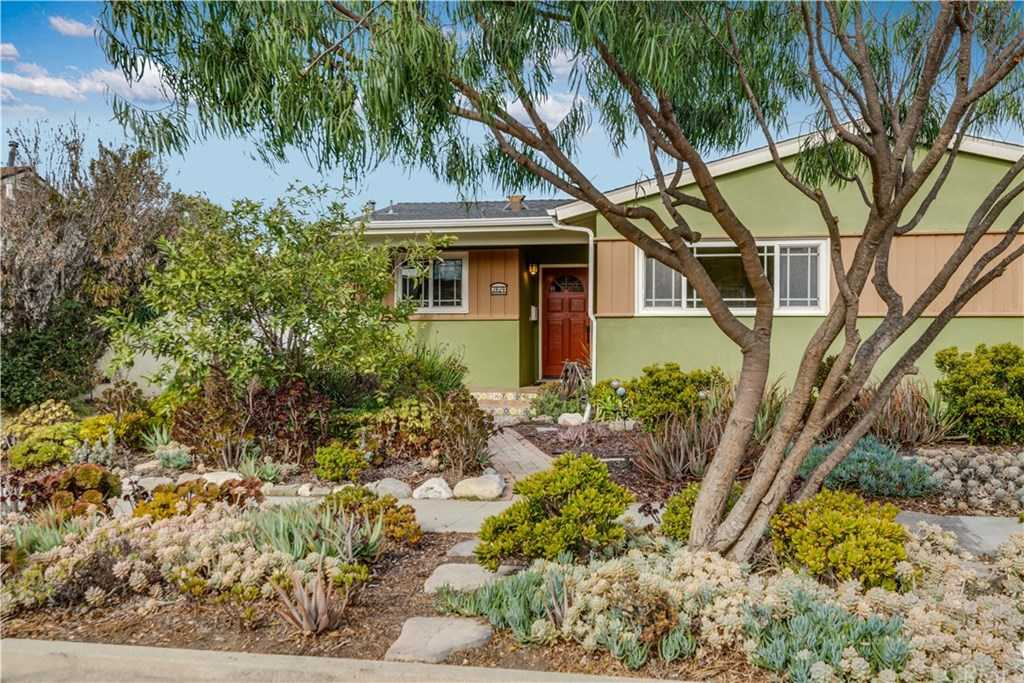 $810,000 - 3Br/1Ba -  for Sale in Torrance
