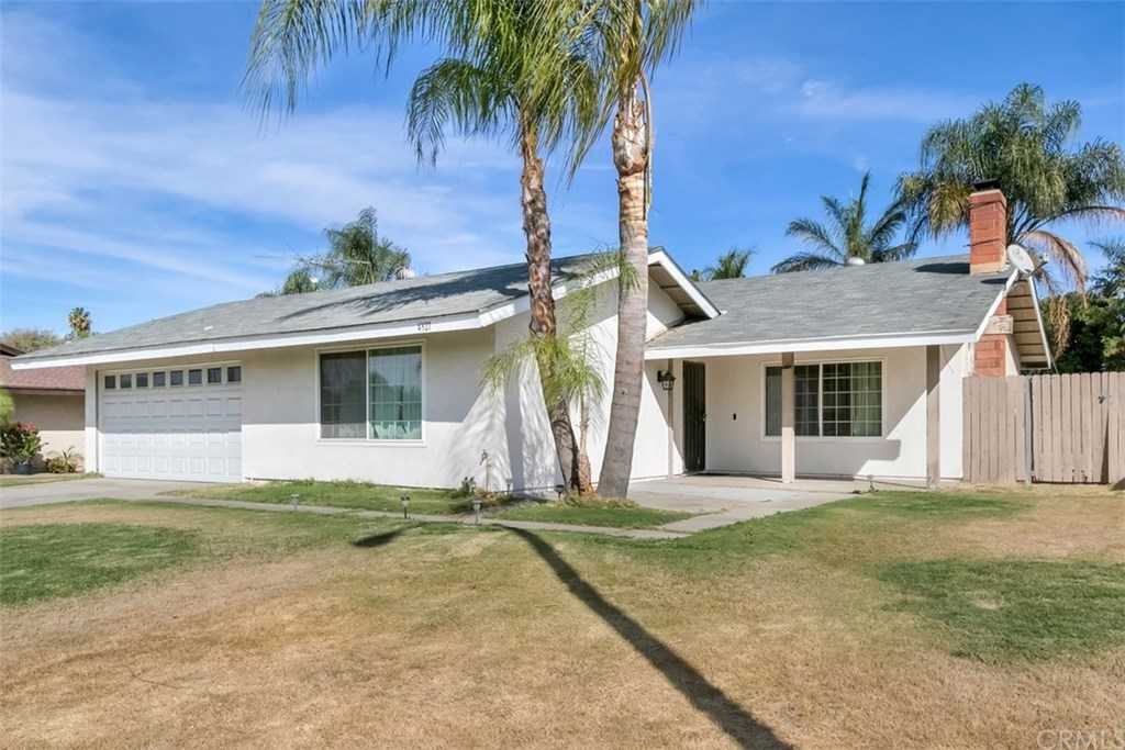 $420,000 - 4Br/2Ba -  for Sale in Riverside