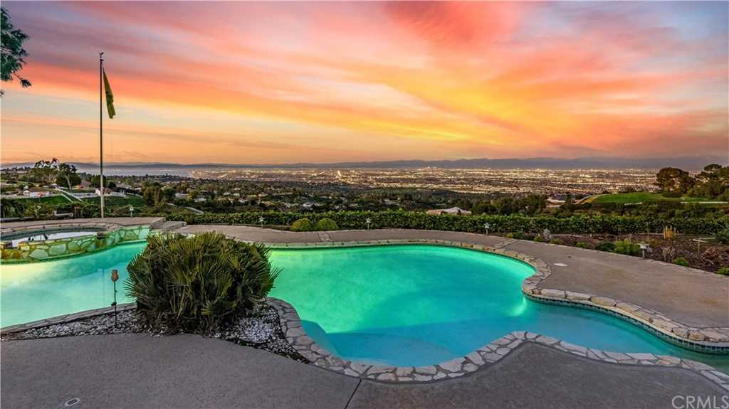 $4,799,000 - 4Br/5Ba -  for Sale in Rolling Hills