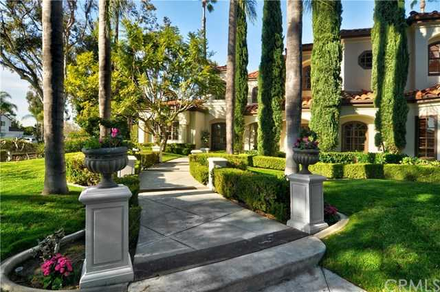 25481 Lone Pine Circle Laguna Hills, CA 92653