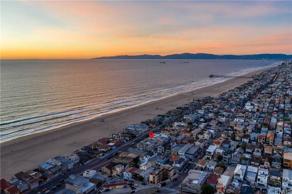 $4,695,000 - 4Br/4Ba -  for Sale in Hermosa Beach