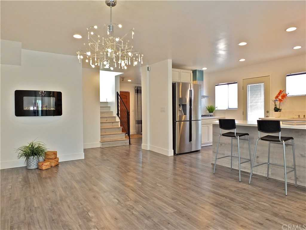 $899,999 - 4Br/4Ba -  for Sale in Hawthorne