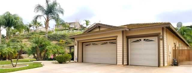 $775,000 - 4Br/3Ba -  for Sale in Norco