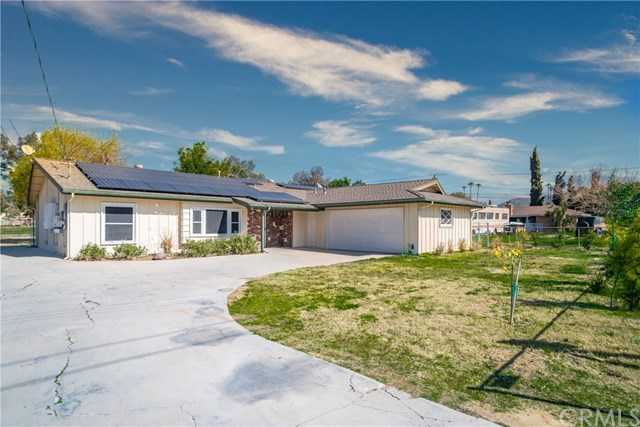 $585,000 - 3Br/2Ba -  for Sale in Norco