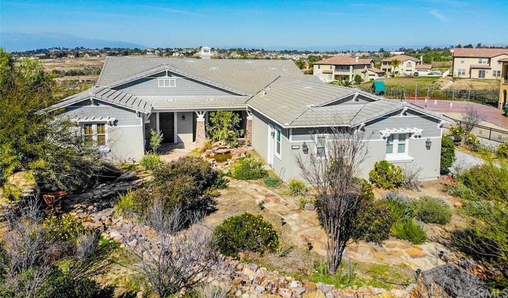 $899,000 - 4Br/3Ba -  for Sale in Riverside