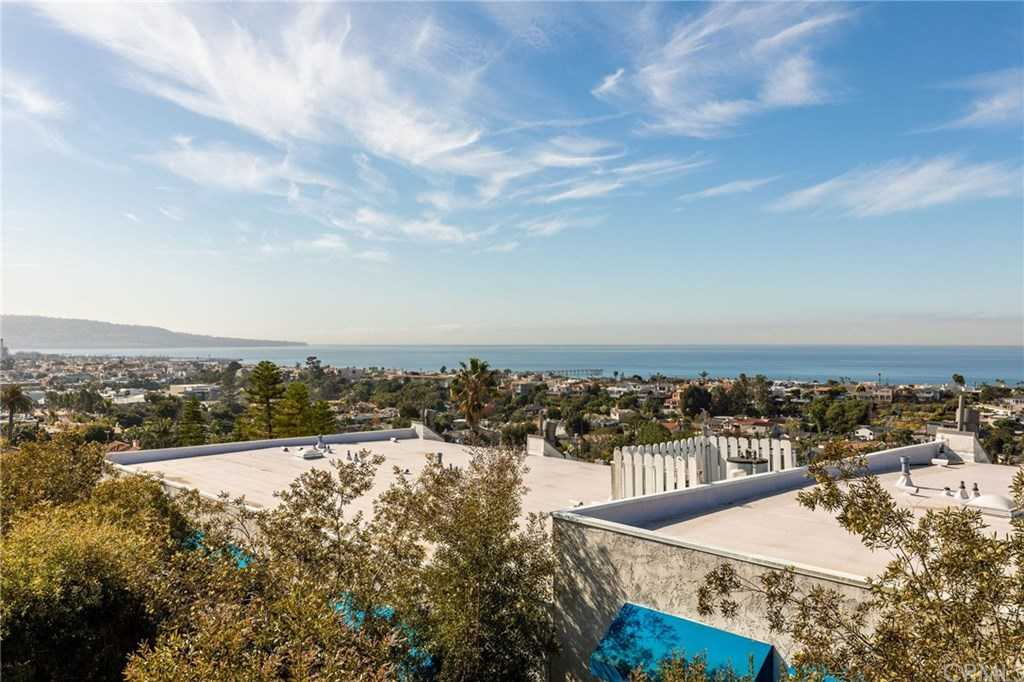 $1,399,000 - 3Br/3Ba -  for Sale in Hermosa Beach