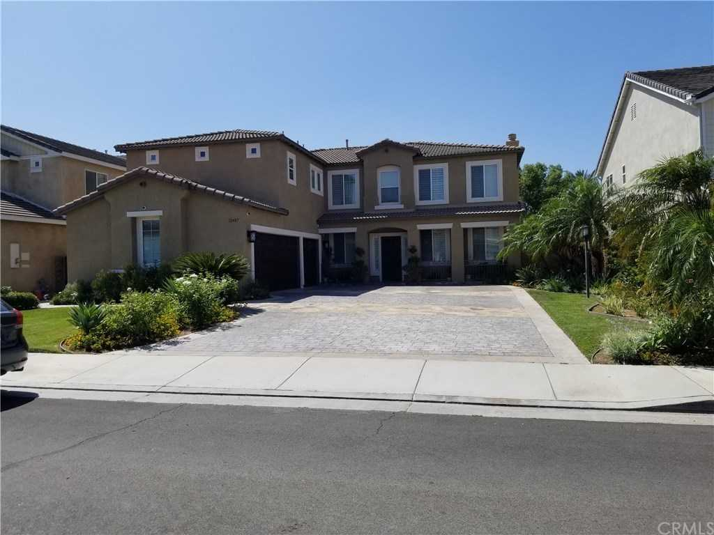 $739,000 - 5Br/3Ba -  for Sale in Eastvale