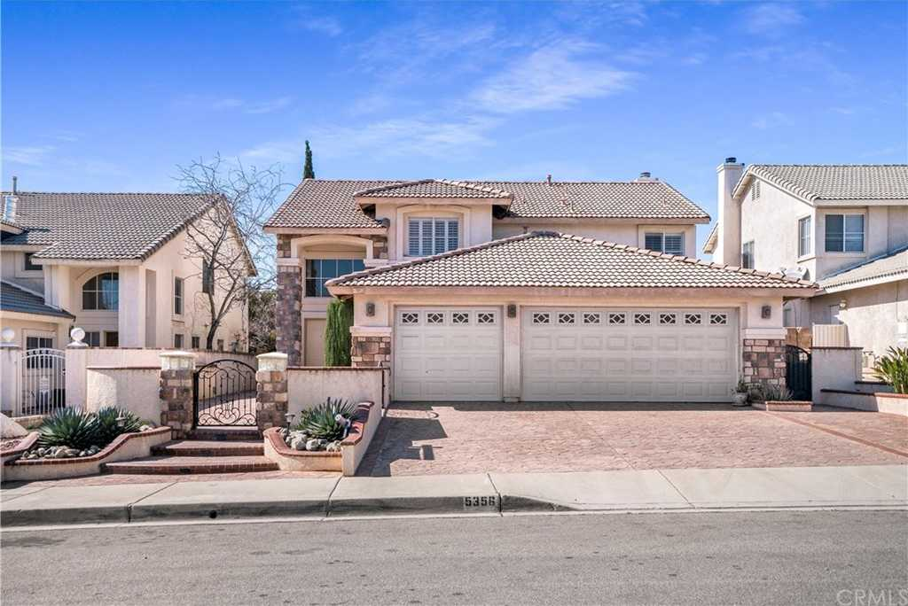 $529,800 - 4Br/3Ba -  for Sale in Fontana