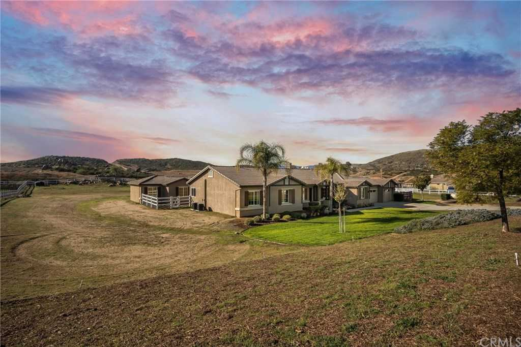 $749,000 - 6Br/4Ba -  for Sale in Perris