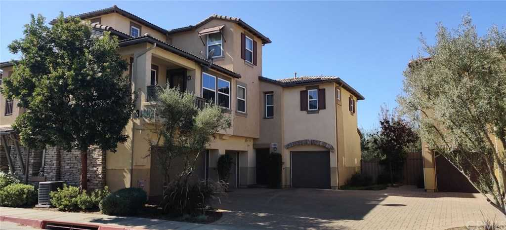 $365,000 - 3Br/3Ba -  for Sale in Temecula