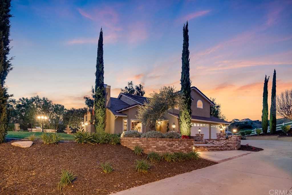 $1,550,000 - 4Br/3Ba -  for Sale in Brock Estates Ii (bke2), Yorba Linda