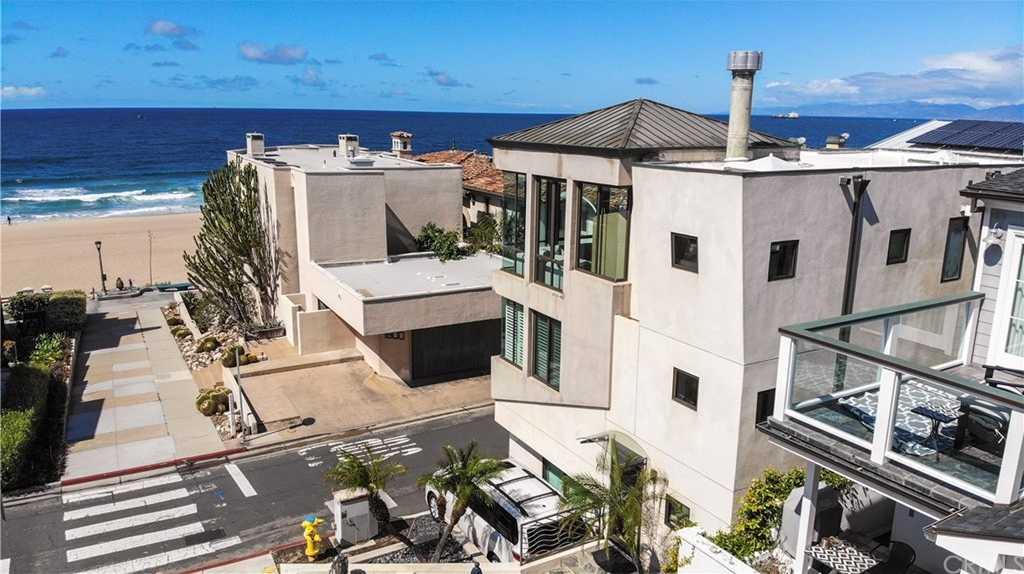 $3,200,000 - 3Br/4Ba -  for Sale in Manhattan Beach