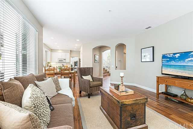 $1,049,000 - 4Br/3Ba -  for Sale in Harbor View (harv), San Clemente