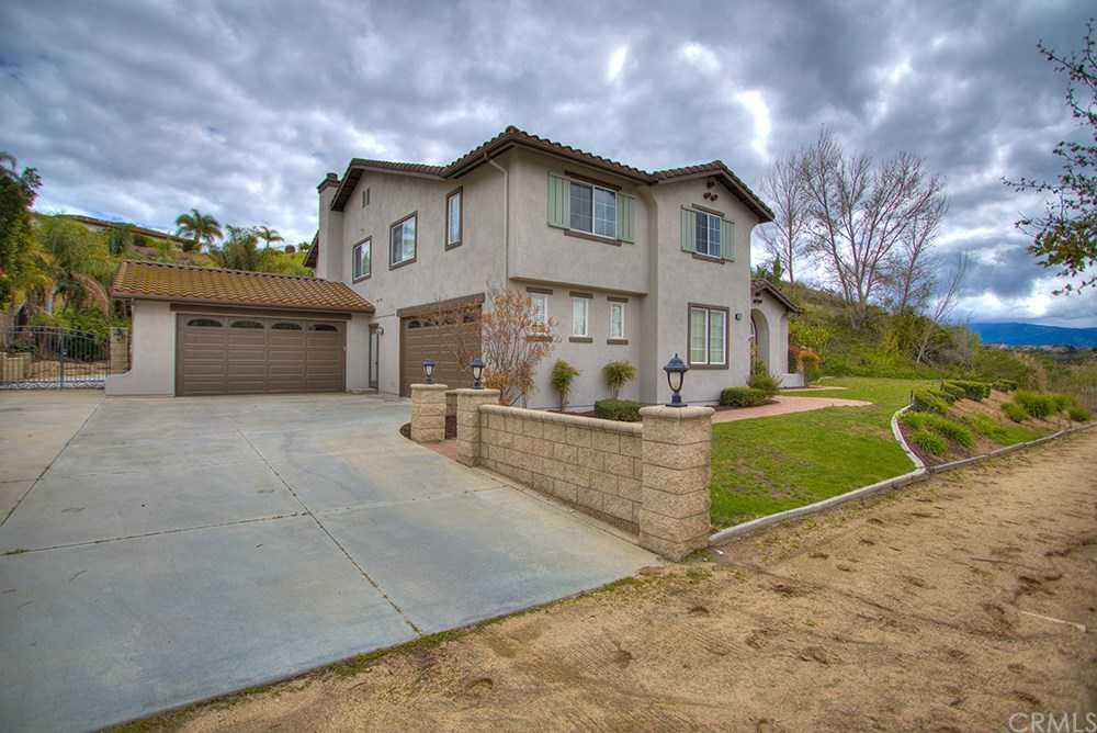$849,900 - 5Br/5Ba -  for Sale in Norco